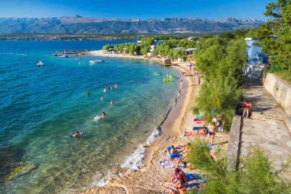 Sex on the Beach: a horvát Adria gyerekstrandján fényes nappal