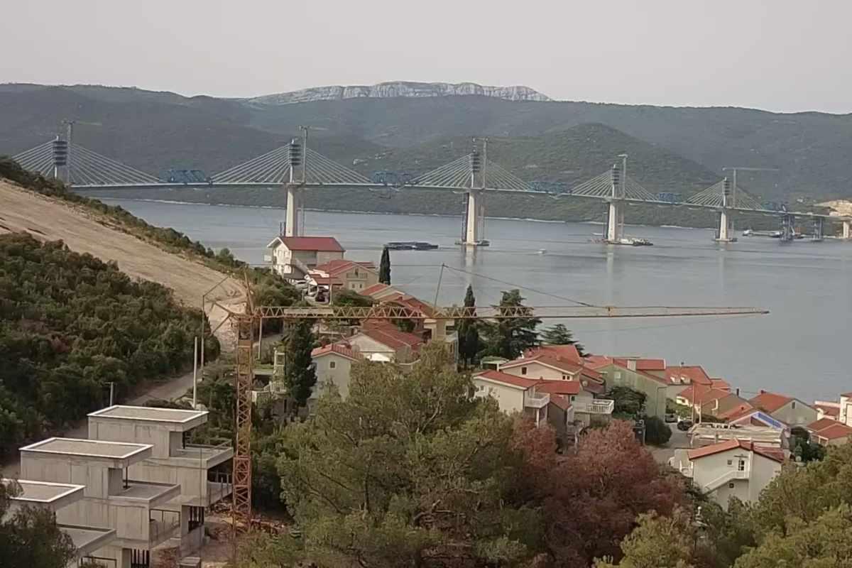 Pelješac: július 28-ra végre összeér a híd két oldala!