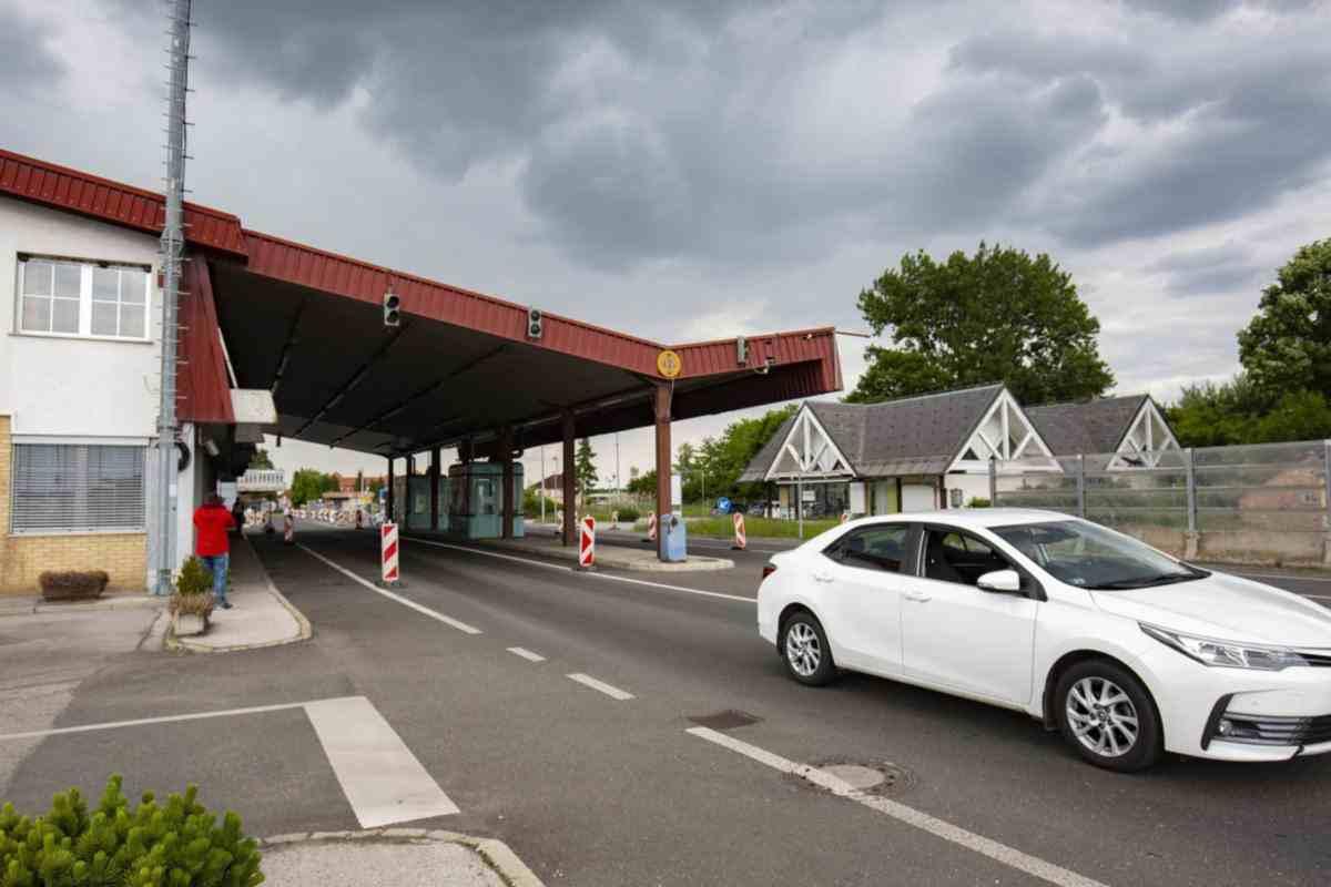 Szlovénia: július 15-től szigorítanak a határon